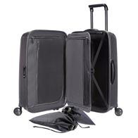 Interiør med smart pakkeramme og praktiske lommer og vesker.
